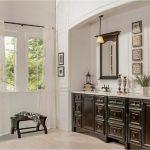 bathroom-cabinets-in-stone-mountain-black-shiny-vanity